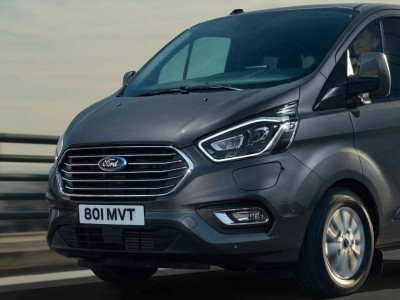 Der neue Ford TOURNEO CUSTOM PLUG-IN HYBRID